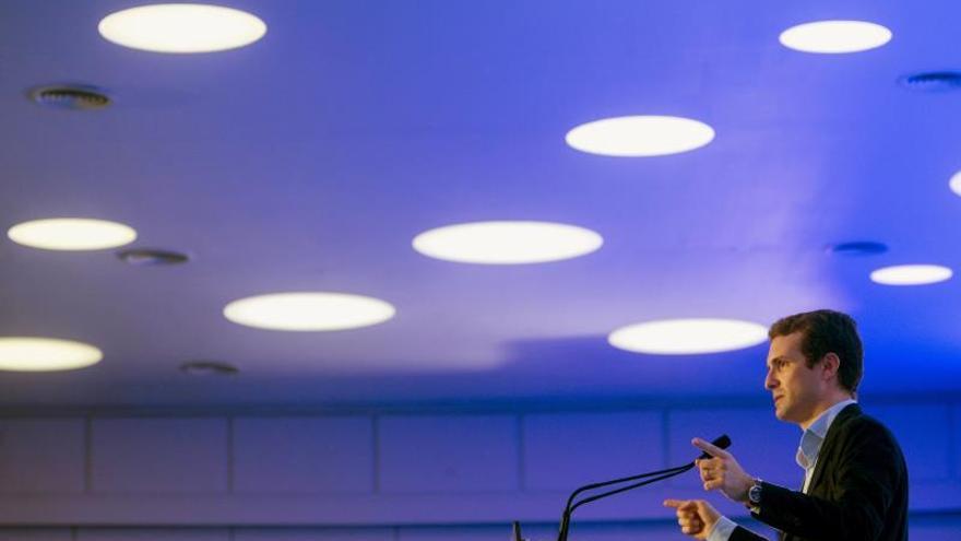 Casado anuncia una propuesta del PP para que la educación sea competencia estatal