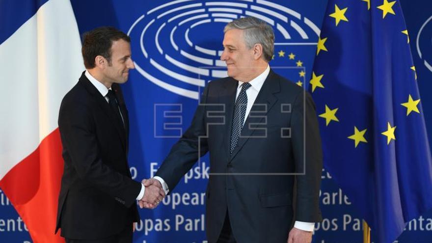 Macron aboga por revitalizar la UE y proteger a sus ciudadanos