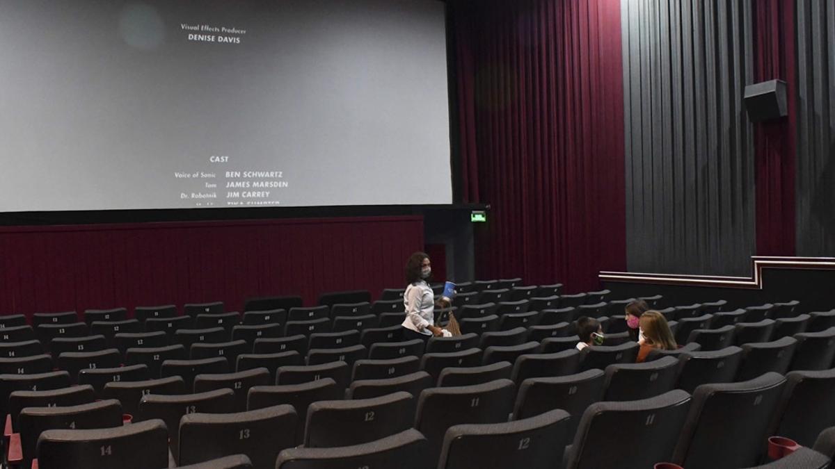 Se reanudaron las actividades en cines, teatros y salas de espectáculos