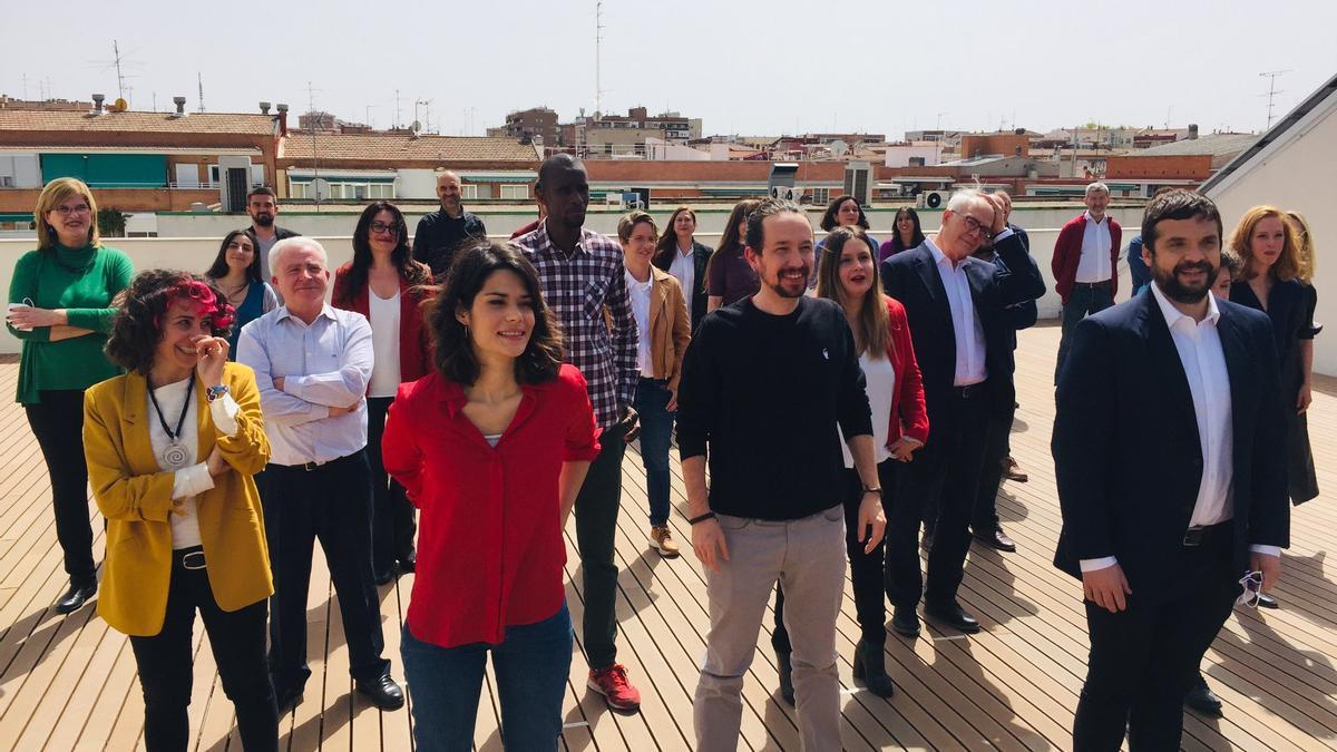 Pablo Iglesias, este jueves, junto a los integrantes de la candidatura de Unidas Podemos para las elecciones madrileñas del 4 de mayo.