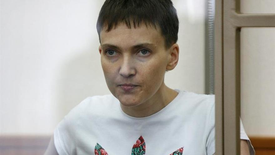 Nadezhda Sávchenko llegó a Kiev tras ser liberada por Rusia