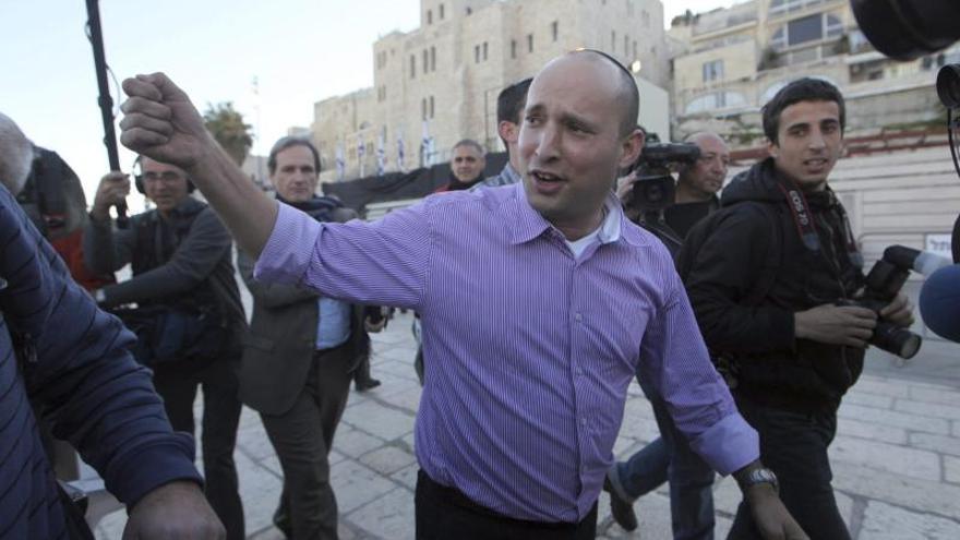 Netanyahu exige disculpas a su ministro de Economía y avisa sobre el futuro de la coalición