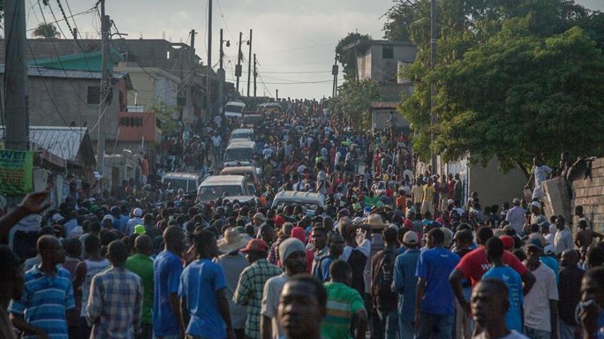 Miles de haitianos marchan contra supuesto fraude de resultados en las elecciones