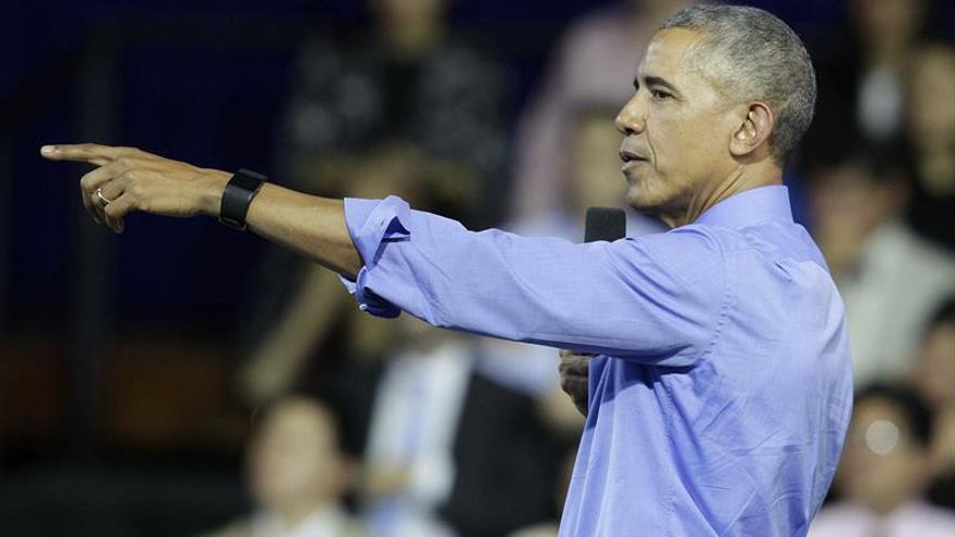Obama conmuta 153 penas y otorga 78 perdones a presos en un solo día