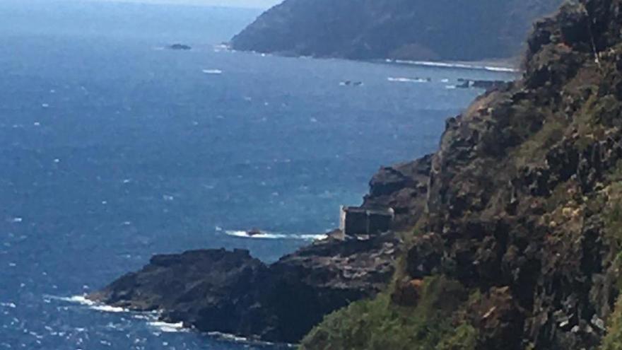 En la imagen, lugar de salida del 'Delfina Noya': El Poyo, donde puede verse lo que queda del antiguo almacén de Fyffes de embarque de platanos.