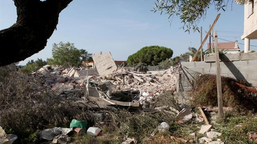 Un muerto y siete heridos al derrumbarse casa por explosión de gas en Alcanar