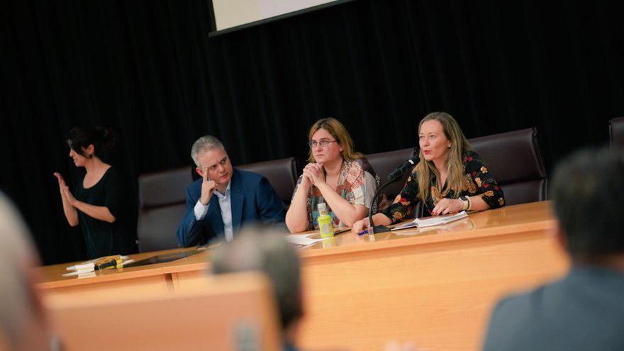 """Héctor Illueca, Mireia Llobera y Victoria Rosell en las jornadas de Podemos sobre """"las cloacas del Estado"""""""