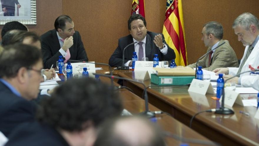 Javier Moliner, entre el conseller de Sanidad, Manuel Llombart, y el actual número 1 del PP por Castellón al Congreso, Miguel Barrachina.