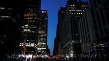 Vuelve la luz a Manhattan tras un apagón afectó 72.000 clientes, el metro y los teatros