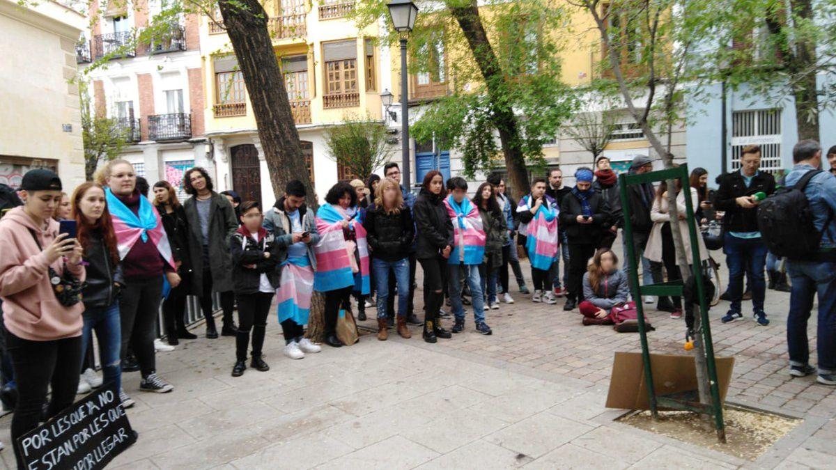 Día de la visibilidad trans en la Plazuela de la Memoria Trans   COGAM