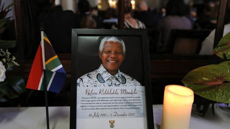 Sudáfrica ya se atreve a criticar a Mandela