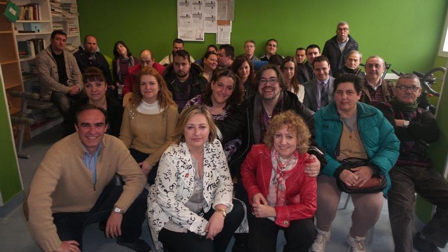 Foto de familia en la inauguración de Radio Jofré.