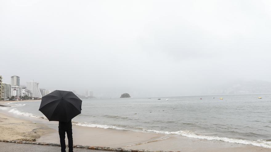 Nora se intensifica a huracán frente a las costas del Pacífico mexicano