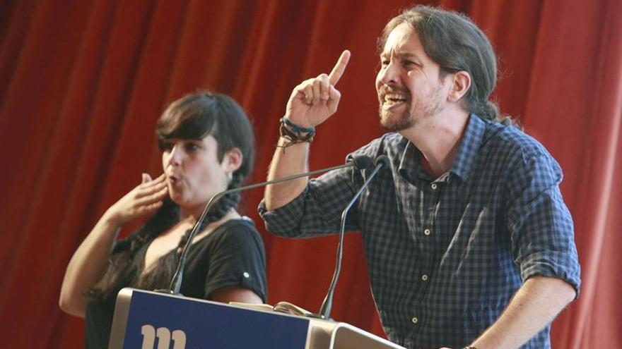 Cristina Cifuentes y Pablo Iglesias se encuentran en la campaña gallega