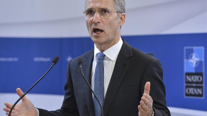 Stoltenberg agradece al nuevo ministro griego de Defensa su compromiso aliado