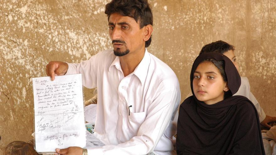 La madre de Rafeequl Rehman -en la imagen-, Mamana Bibi, fue asesinada en un ataque aéreo con drones de EE.UU. el 24 de octubre de 2012 en la aldea de Ghundi Kala, Waziristán del Norte, Pakistán. © Amnesty International