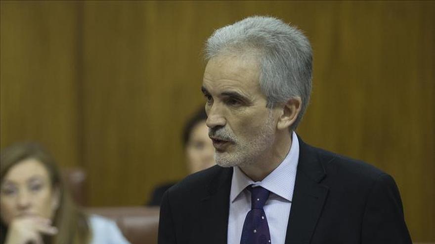 El consejero de Salud, Aquilino Alonso, durante una comparecencia parlamentaria
