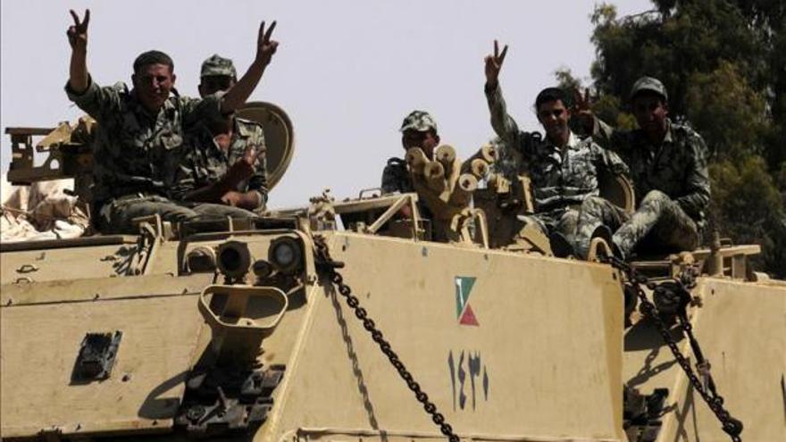Soldados egipcios en el Sinaí (Archivo EFE)