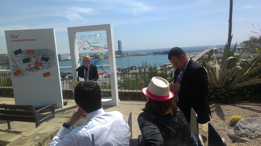 Xavier Trias, en l'acte de campanya al Morrot, amb el Port de Barcelona al fons / JORDI MOLINA