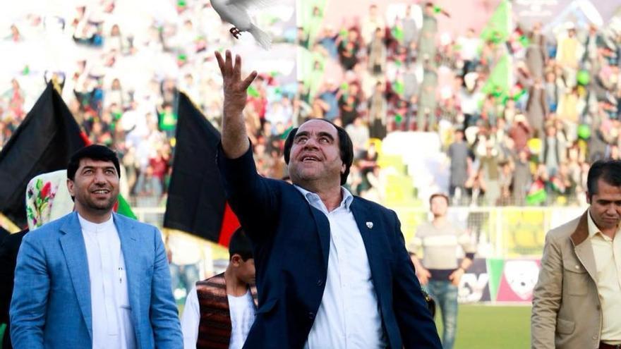 El presidente de la Federación de Fútbol Afgana tiene prohibida la salida del país a raíz de los casos de acoso sexual.