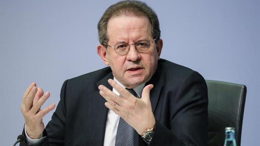 Constancio: la unión monetaria europea afronta aún amenazas existenciales