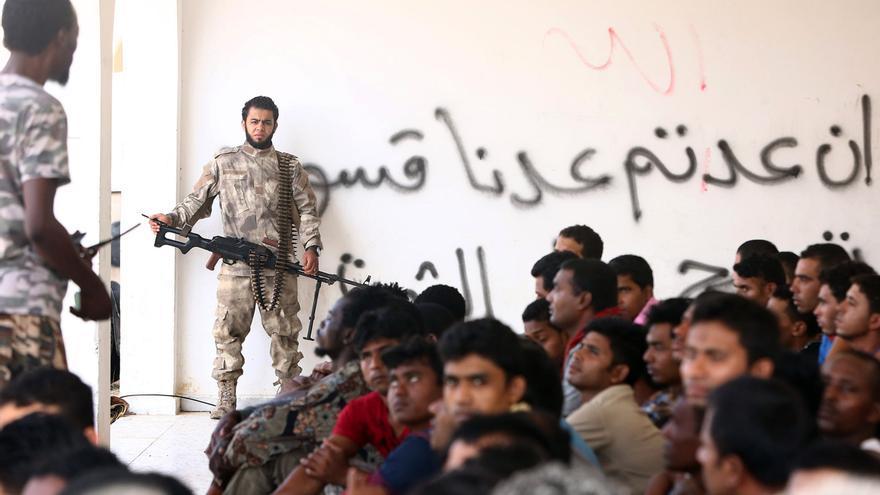 Personas refugiadas interceptadas por la guardia costera libia © MAHMUD TURKIA/AFP/Getty Images