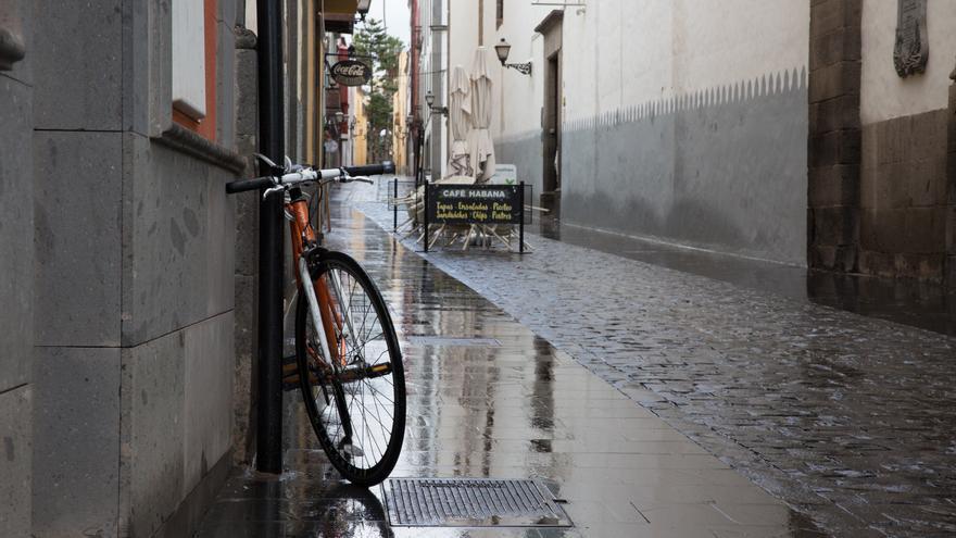 Lluvia en Las Palmas de Gran Canaria. (ALEJANDRO RAMOS)