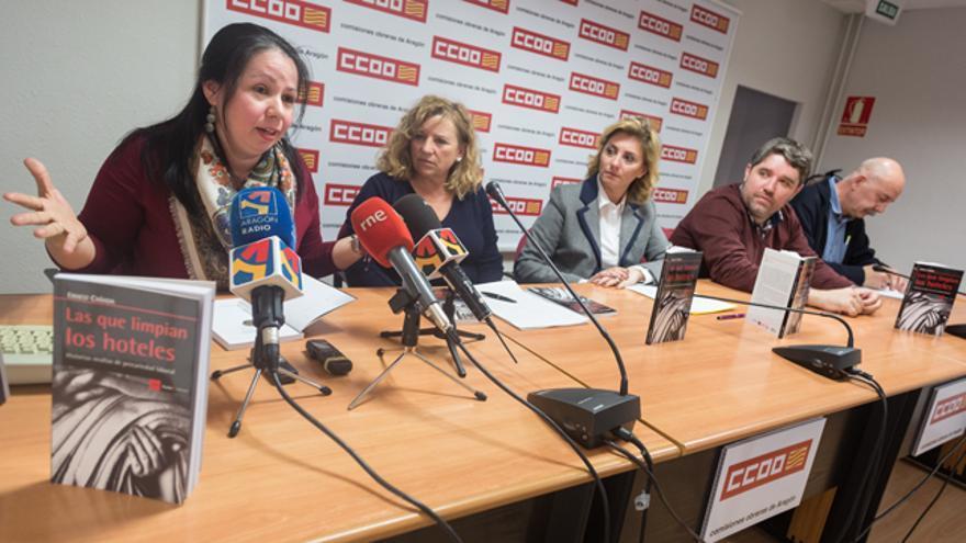 Gloria Distefano (izqda) y Pepi García, a su lado.