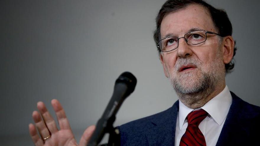 Rajoy cierra su visita a Nueva York inaugurando una exposición sobre Borges