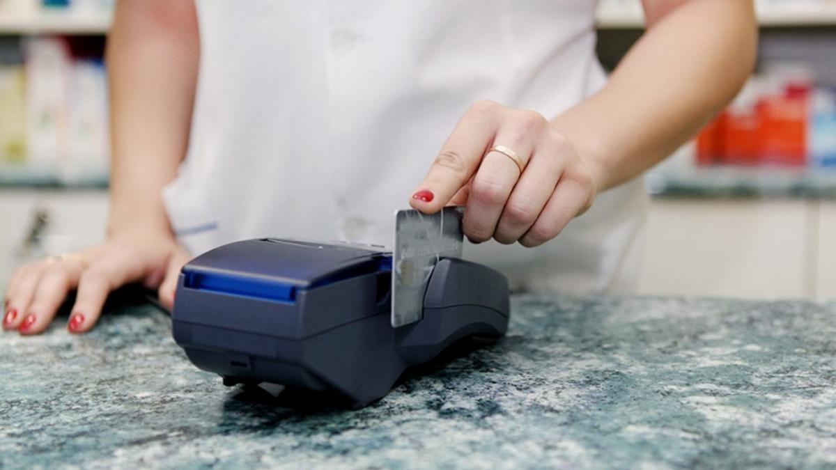 Cómo y quiénes pueden acceder al reintegro en compras con tarjetas de débito