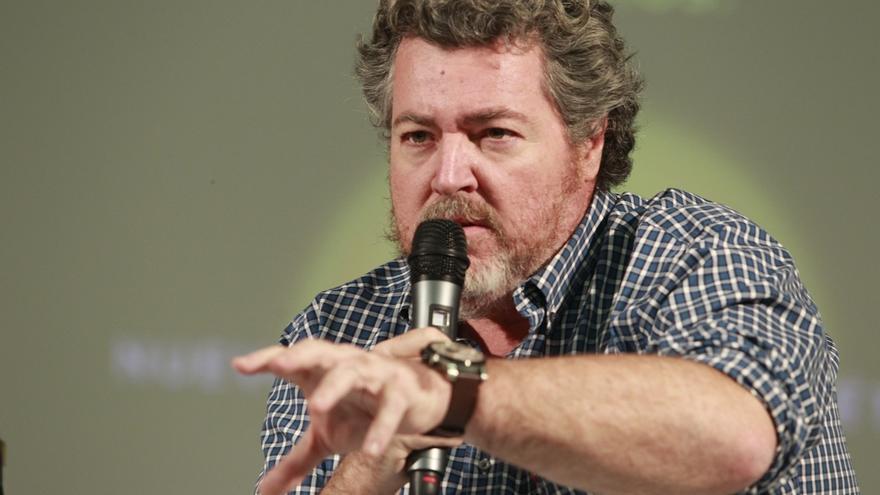"""Uralde (Podemos) advierte de que Alonso (PP) """"debe retirarse"""" de la política tras haber sido condenado"""