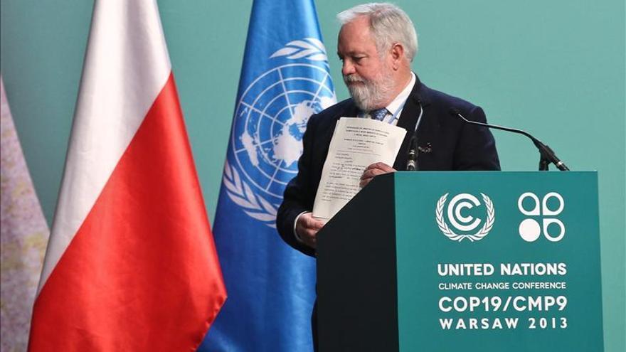 Arias Cañete pide en el plenario de la cumbre del Clima un compromiso global