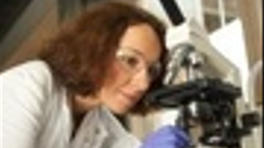 Imagen De La Directora Del Estudio, La Doctora Christine Dufes