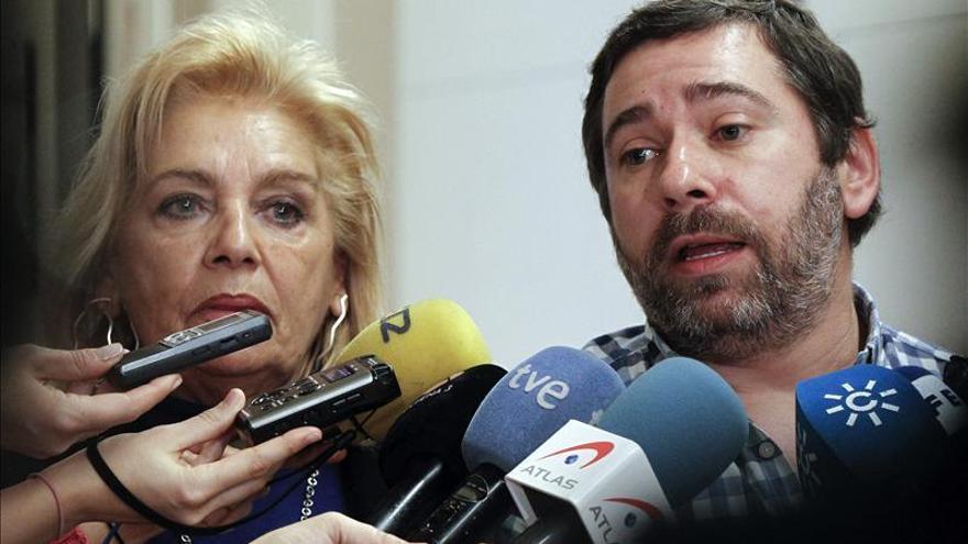 """La familia de Couso dice que el PP """"contenta a grandes potencias"""" limitando la justicia universal"""