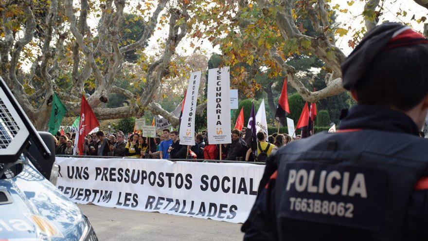 La protesta ha llegado hasta las puertas del Parlament