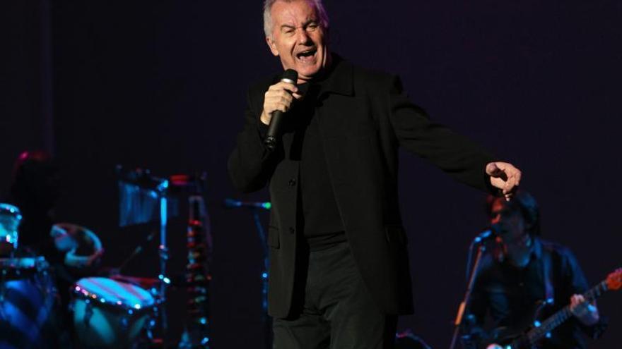 Víctor Manuel celebrará sus 50 años en la música con un concierto en Oviedo