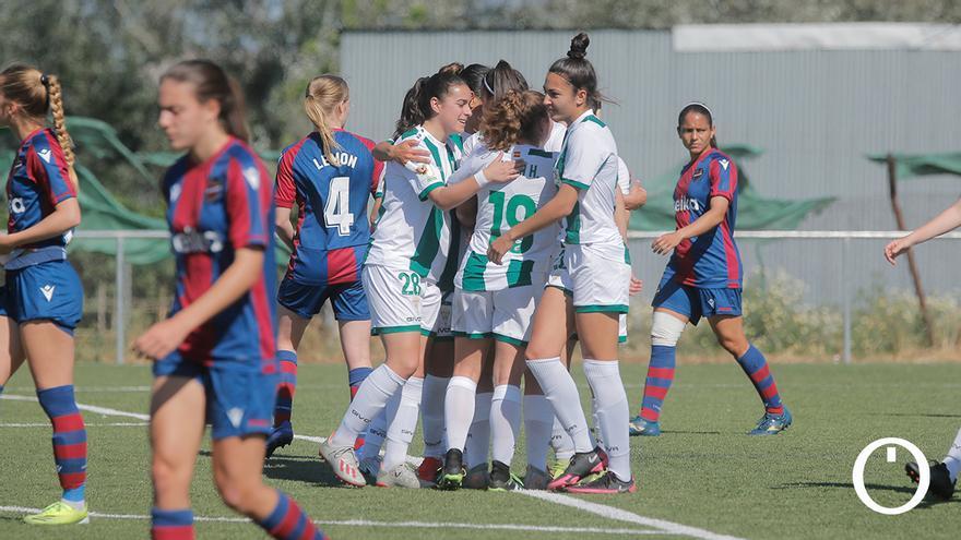Celebración de gol del Córdoba Femenino ante el Levante B en la ida