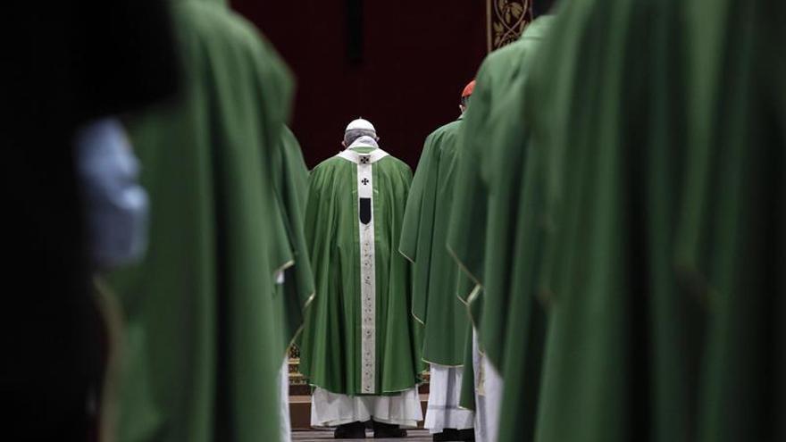El papa da pautas para acabar con los abusos, pero decepciona a las víctimas