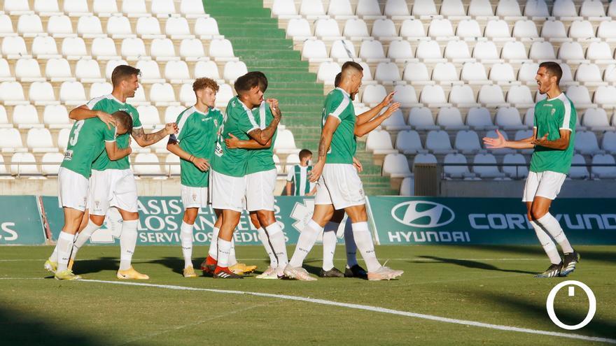 Jugadores del Córdoba celebrando un gol.