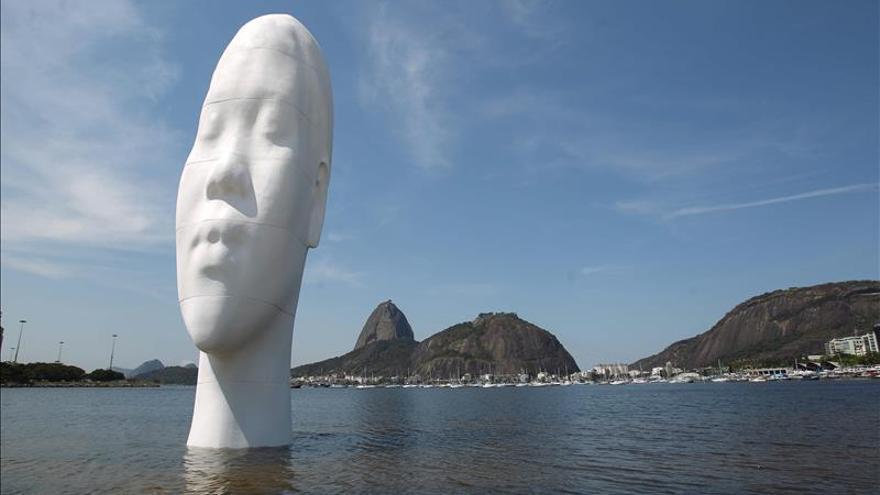 """Jaume Plensa levanta en Tokio un busto gigante como """"lugar de encuentro"""""""