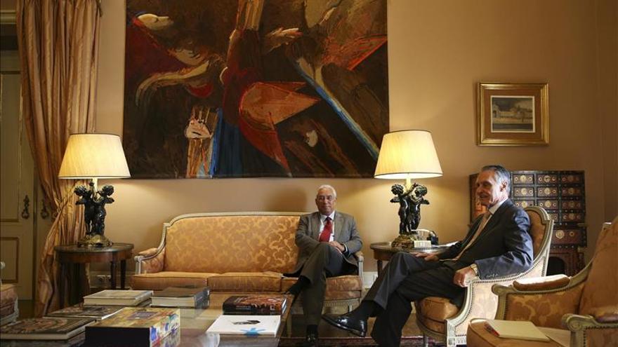 Cavaco Silva pide al nuevo Gobierno que cumpla los compromisos económicos