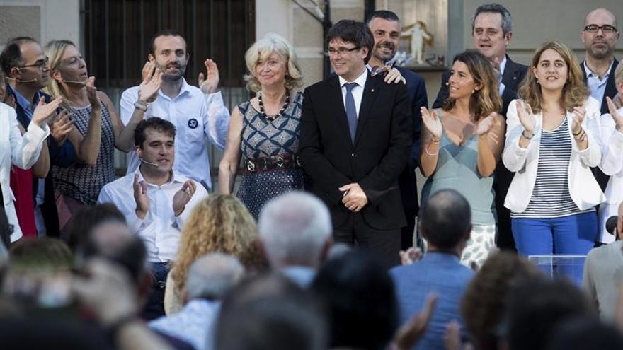 """Puigdemont insta al Gobierno a respetar la democracia y no usar las """"cloacas"""""""