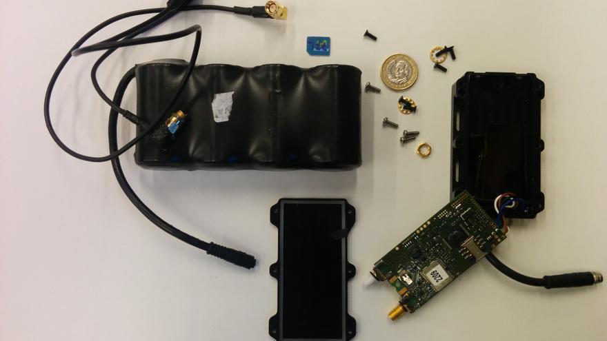 Dispositivo rastreador encontrado en el coche de una activista que iba al Circumvention Tech Festival