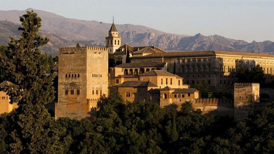 El proyecto que investiga la industria ceramista en la Alhambra halla cinco hornos