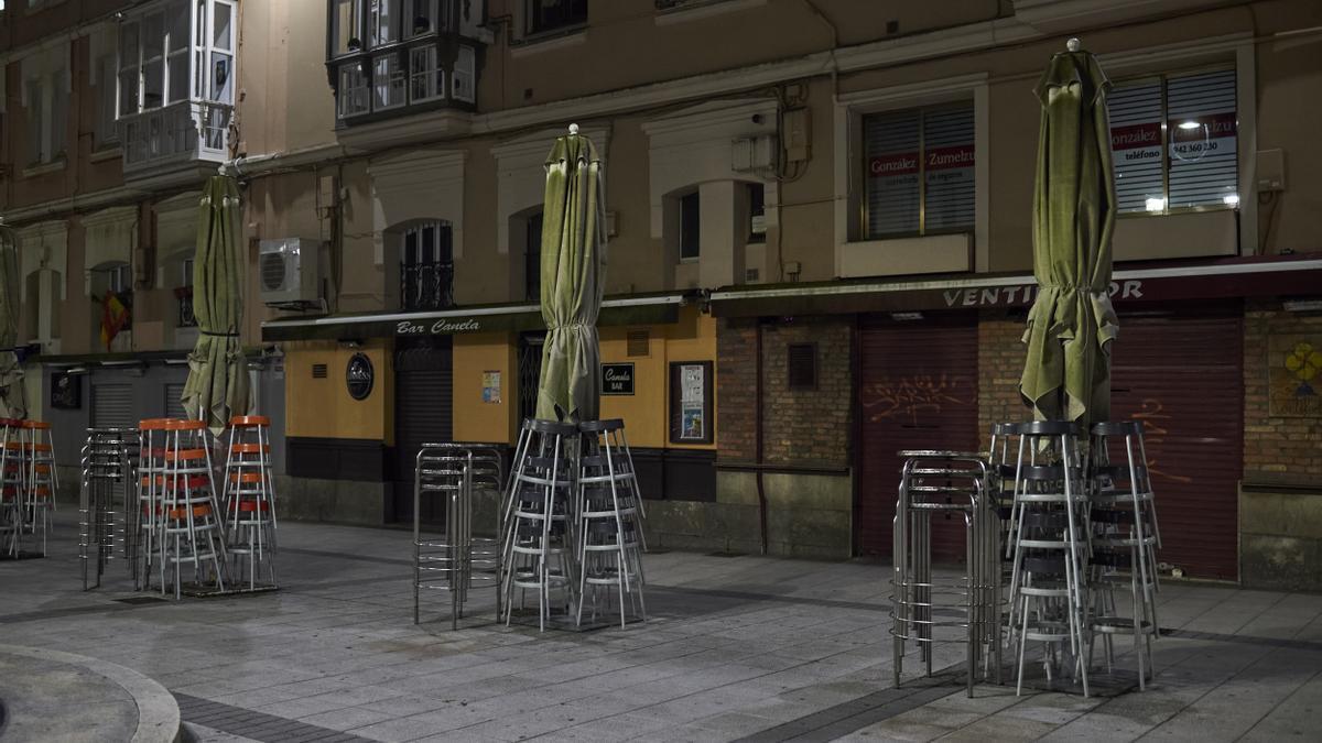 Terrazas vacías en la Plaza Cañadío de Santander. Archivo