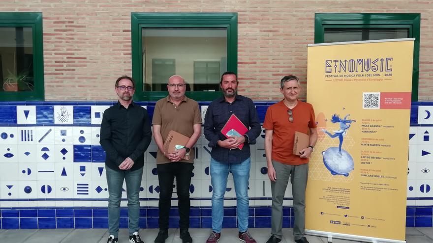 El coordinador artístic, Francisco Valiente, el diputat de Cultura, Xabier Rius, el director de continguts d'À Punt Mèdia, César Martí i el coordinador del festival, Francesc Cabañés, aquest dijous.