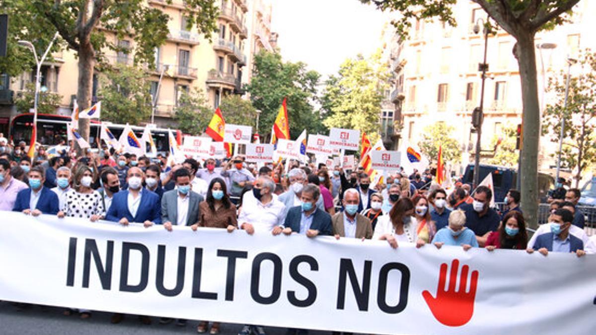 Cabecera de la protesta contra los indultos celebrada este viernes en Barcelona