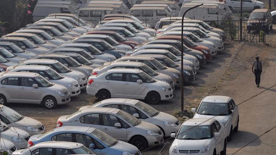 Maruti Suzuki llama a revisar 75.000 coches en India por airbag defectuoso