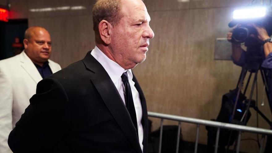 Weinstein, que defiende su inocencia, está imputado por cinco cargos de agresión sexual, incluido uno de violación en primer grado.