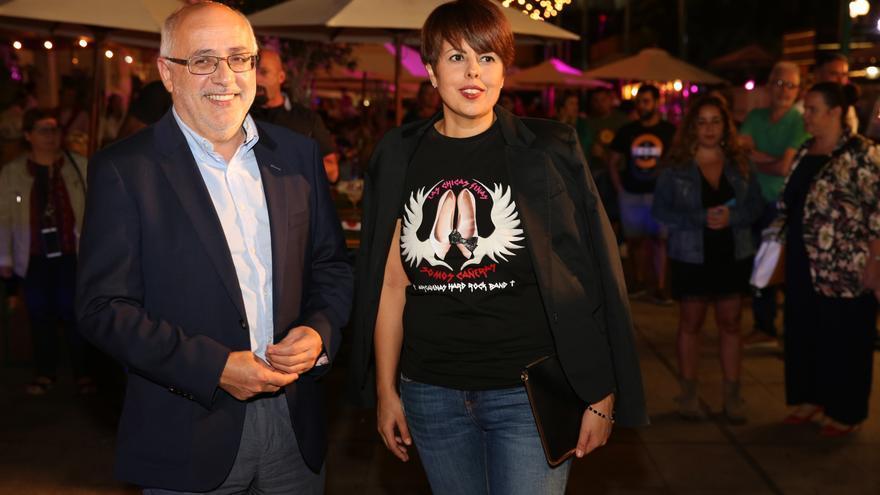 El presidente del Cabildo de Gran Canaria, Antonio Morales, y la consejera de Industria y Comercio, Minerva Alonso